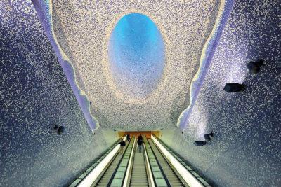 napoli oggi viaggio nella metro